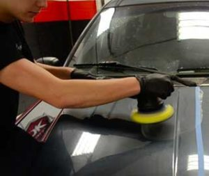 Polish-the-sanded-portion-of-the-car