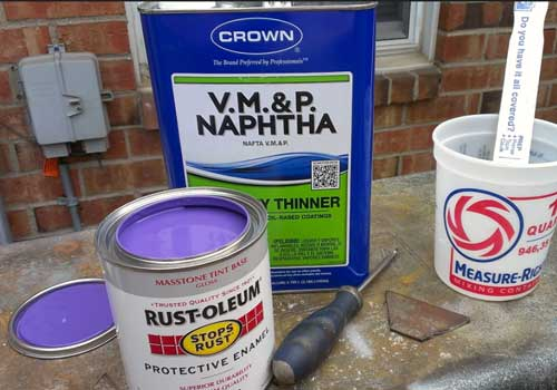 How to Thin Latex Paint For a Spray Gun